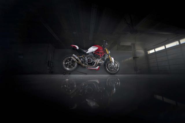 Ducati Monster 1200 phien ban Tricolore tu Motovation - 18