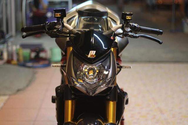 Ducati Streetfighter tao net day luc luong ben nghe thuat duong pho Graffiti - 4