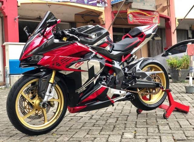 Honda CBR250RR Say dam voi phong cach Racing day lich lam