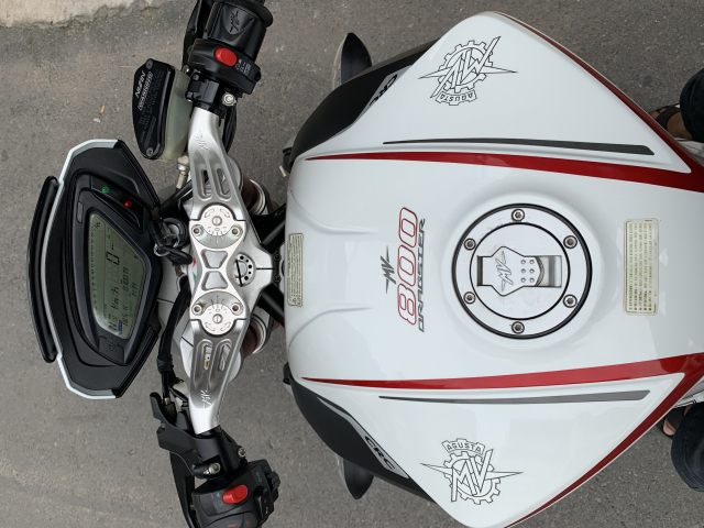 __Can Ban MV AGUSTA Dragster 800cc ABS date 82015 mau trang odo 10000km HQCN ngay chu dung ban - 7