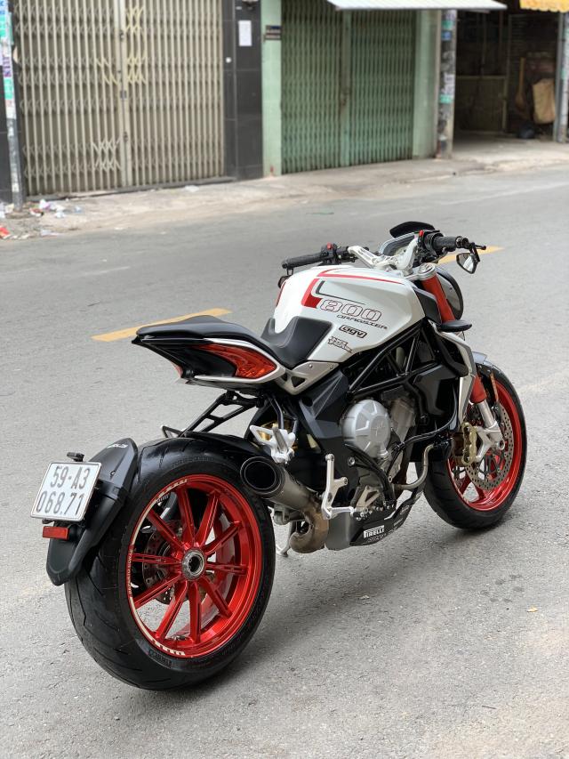 __Can Ban MV AGUSTA Dragster 800cc ABS date 82015 mau trang odo 10000km HQCN ngay chu dung ban - 8