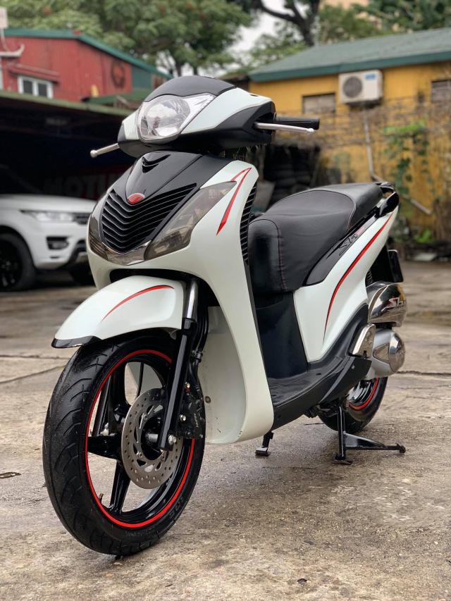 Ban SH nhap 125 doi 2011 mau Trang Sport Xe nguyen zin dan kin nilon ca xe - 3