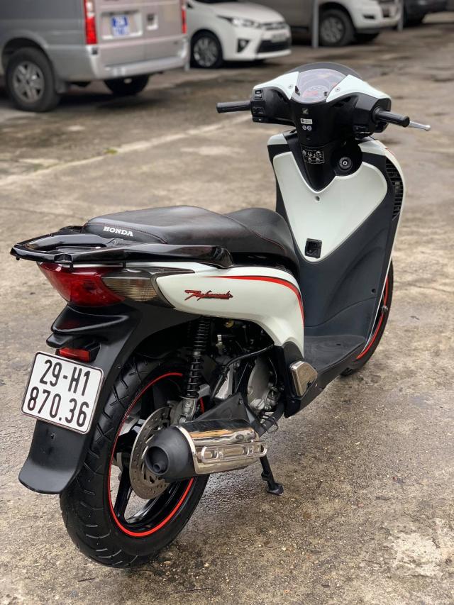 Ban SH nhap 125 doi 2011 mau Trang Sport Xe nguyen zin dan kin nilon ca xe - 4