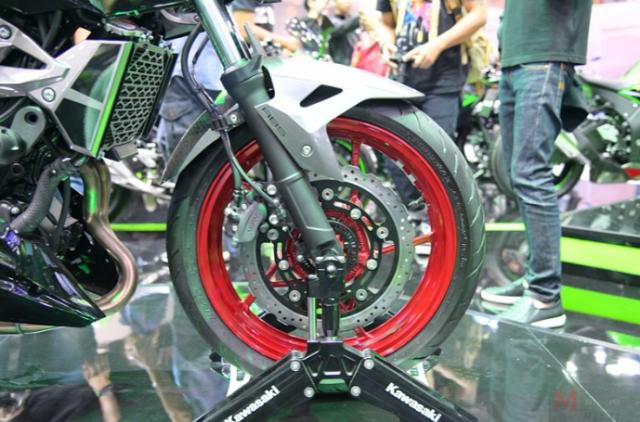 Can canh chi tiet Kawasaki Z400 SE phien ban dac biet co gia 138 trieu VND - 7