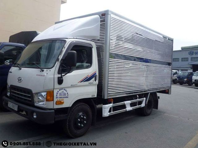 Chuyen ban xe tai Hyundai 17 tan thung kin HD65 xe co san