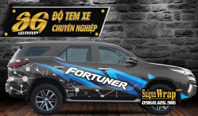 Dan Tem Xe Fortuner 2018 Chat Luong Gia Tot Tai SaiGonWRAP Tem Xe Chuyen Nghiep