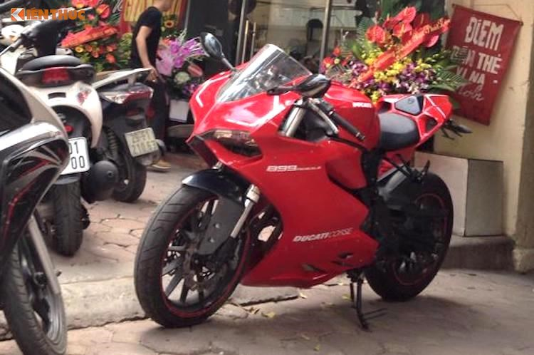 Ducati 899 Panigale nhap khau nguyen ban