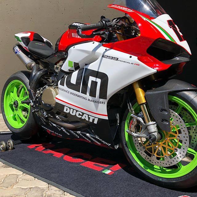 Ducati Panigale 1299R do full option duong dua dep ba chay
