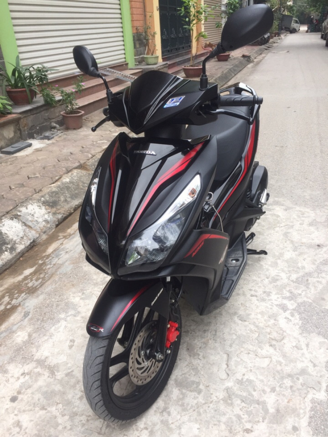 Honda Air blade 125fi Black Edition 2016 den mo chinh chu bien HN - 5