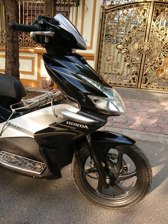 Honda Airblade fi 2010 vanh 6 nan nguyen ban dung can than - 5