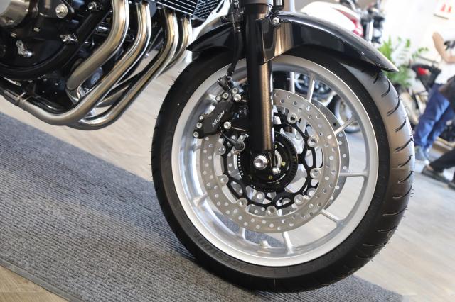 Huyen thoai Honda CB1300 Super Four phien ban ky niem 25 nam cap ben tai Viet Nam - 18