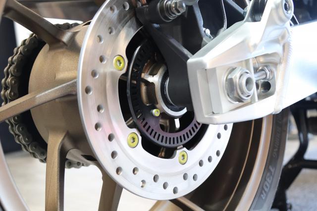 Huyen thoai Honda CB1300 Super Four phien ban ky niem 25 nam cap ben tai Viet Nam - 27