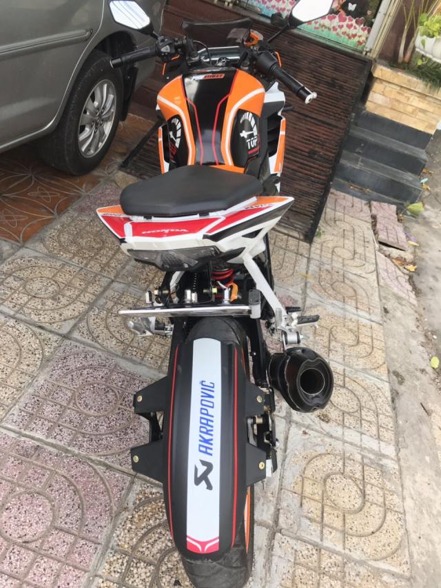 Minh can ban xe CBR150 doi 2018 chay duoc 1380km
