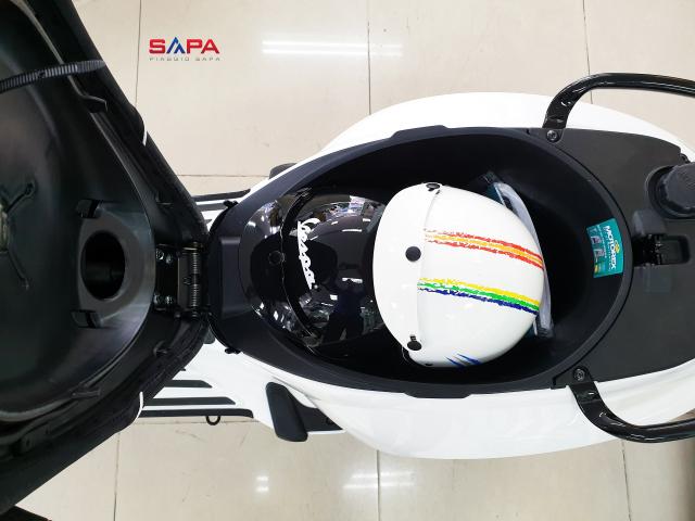 VESPA SPRINT WHITE BLACK AN TUONG TAI SAPA - 2