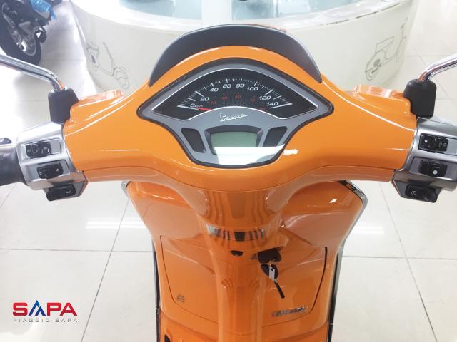 Vespa Sprint Cam dac quyen cho Nang tran day nhiet huyet - 2