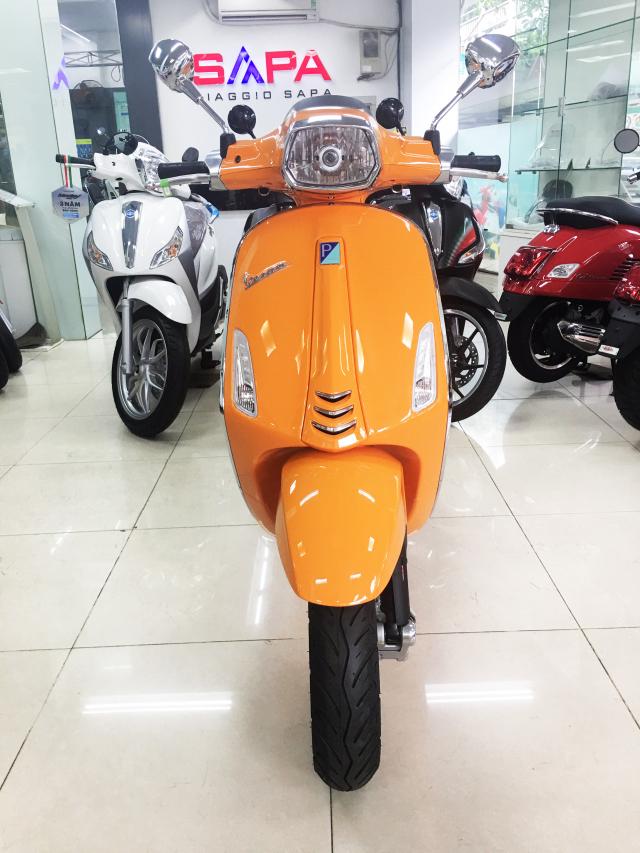 Vespa Sprint Cam dac quyen cho Nang tran day nhiet huyet - 4