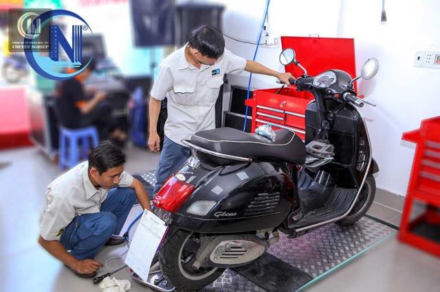 Sua xe Vespa chuyen nghiep gia tot tai Ho Chi Minh - 2