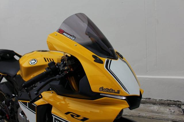 Yamaha R1 60th Anniversary Edition do hao nhoang voi trang bi tan rang - 4