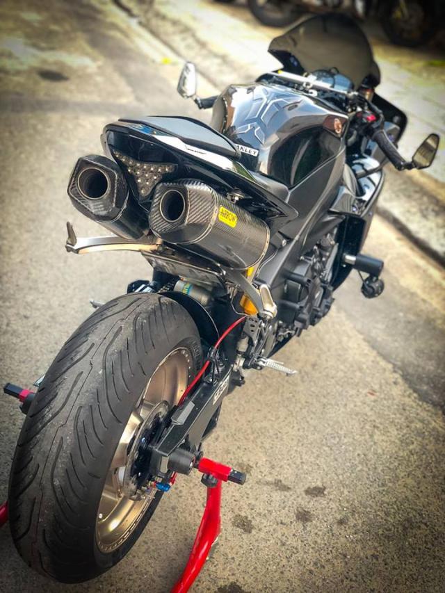 Yamaha R1 do Su tro lai cua huyen thoai bat bai tren duong pho Viet - 21