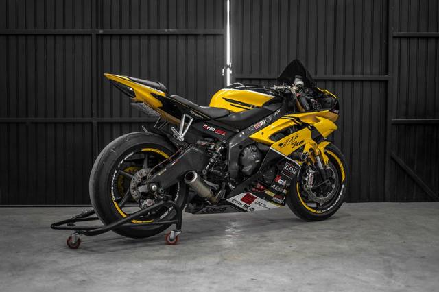 Yamaha R6 do hop hon nguoi ham mo voi phong cach Yellow Sporty tren dat Viet - 12