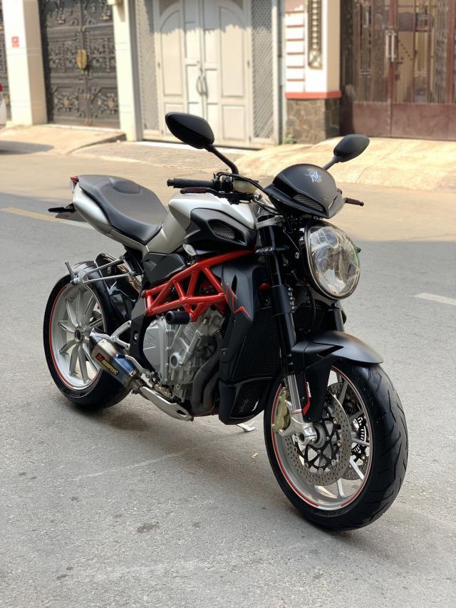 __Can Ban Xe MV AGUSTA Brutale 1090cc ABS DKLD T122016 odo 4800km HQCN ngay chu dung ban - 2