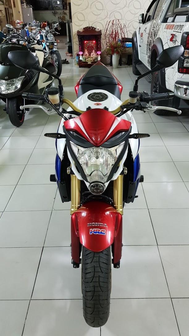 Ban Honda CB1000R Tricolor42012YHQCNHISSSaigonSo VIP 9 nut