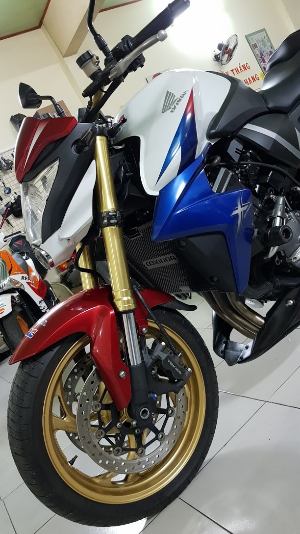Ban Honda CB1000R Tricolor42012YHQCNHISSSaigonSo VIP 9 nut - 2