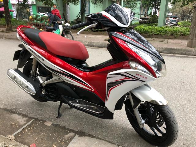 Ban xe Airblade doi 2012 mau do den bks 29Y 5 so doi moi gia 225tr chinh chu nu su dung - 4