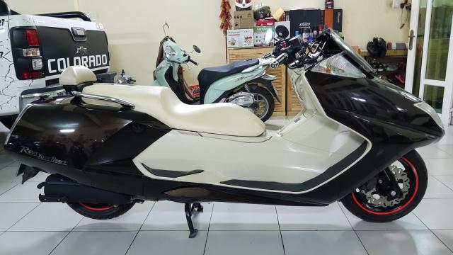 Ban Yamaha Maxam CP250Phi thuyen tren canHQCNSaigon52015 - 5