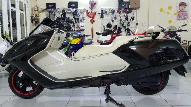 Ban Yamaha Maxam CP250Phi thuyen tren canHQCNSaigon52015 - 6
