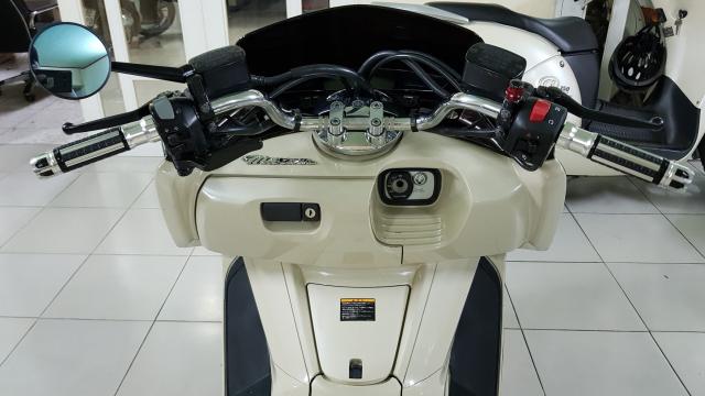 Ban Yamaha Maxam CP250Phi thuyen tren canHQCNSaigon52015 - 19
