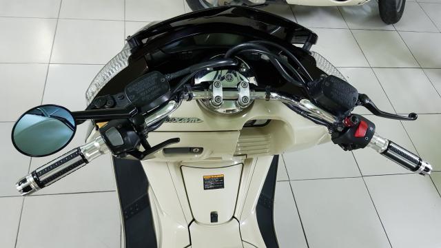 Ban Yamaha Maxam CP250Phi thuyen tren canHQCNSaigon52015 - 29