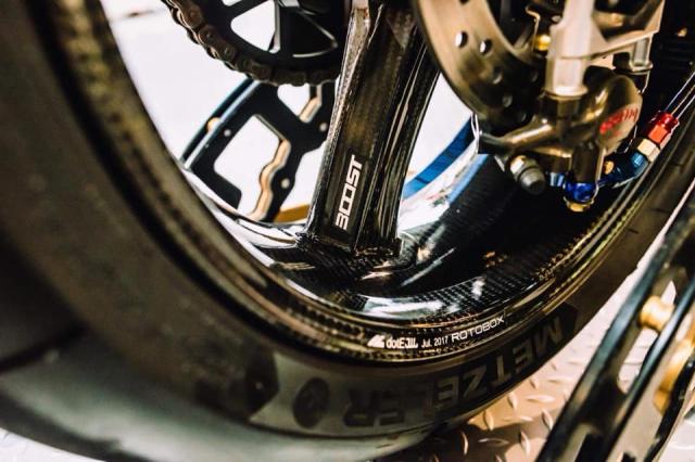BMW S1000RR 2016 Mien bien gioi Chau DocAn Giang lung lay 1 thoi - 16