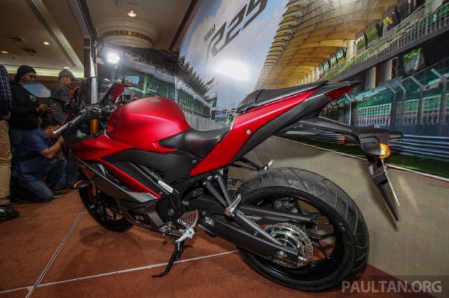 Can canh Yamaha R25 2019 vua chinh thuc ra mat tai Malaysia - 7