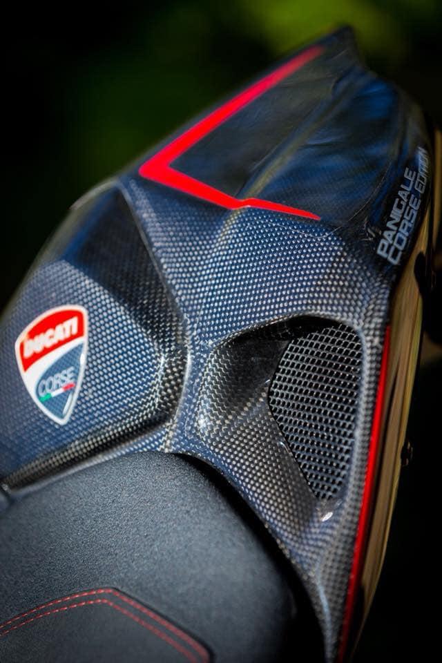 Ducati 899 Panigale ban do sieu cap mang trong minh bo giap Full Carbon fiber - 5
