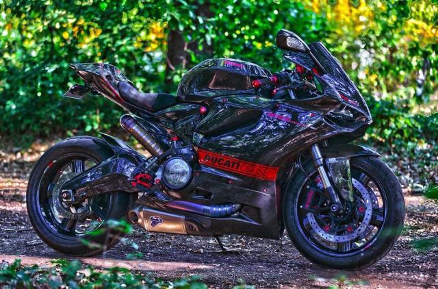 Ducati 899 Panigale ban do sieu cap mang trong minh bo giap Full Carbon fiber - 11