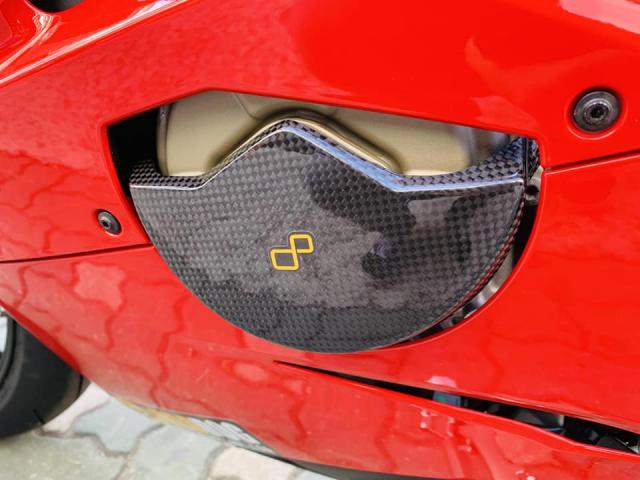 Ducati V4 Panigale ve dep bat chap tu nha tai tro Lightech - 14