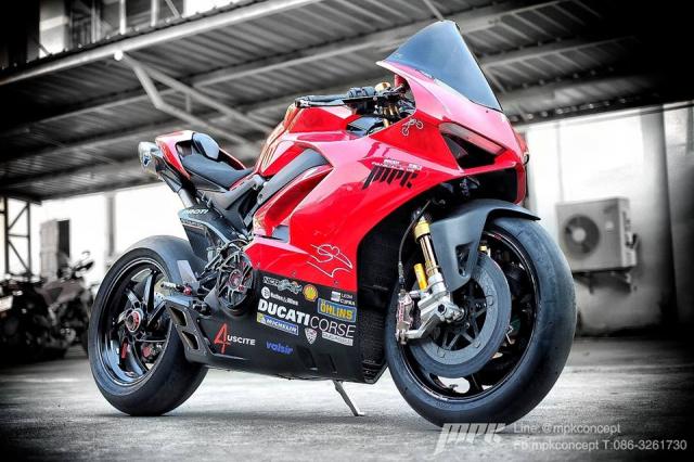Ducati V4S Panigale do sieu tuong voi dan trang bi khung khiep