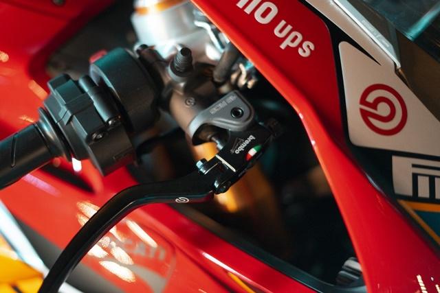 Ducati V4S Panigale Man nhan voi ban do sieu cap cua Biker Viet - 6