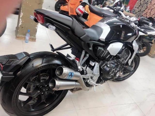 Can ban HONDA CB1000 Neo sport 92018 xe 1 chu dap thung odo 368km - 4