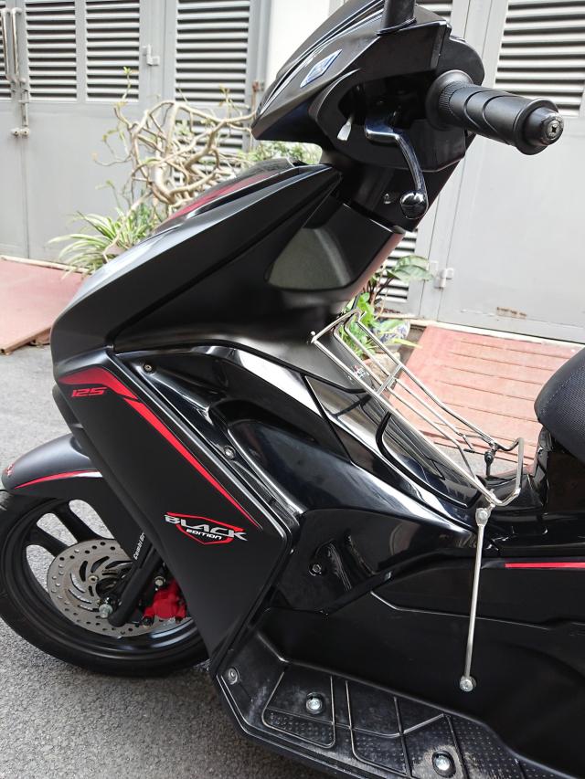 Rao ban Honda Air blade 125fi Black Edition 2015 den mo - 4