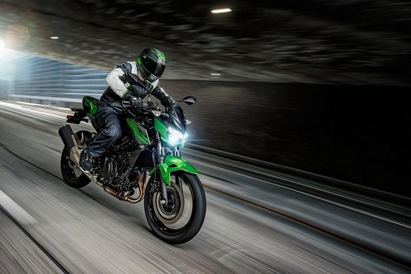 So sanh Honda CB500F VS Kawasaki Z400 2019 - 9