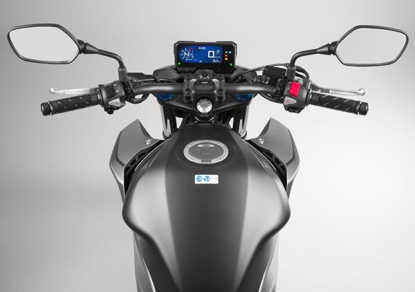 So sanh Honda CB500F VS Kawasaki Z400 2019 - 18