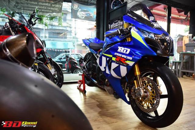 Suzuki GSXR1000 hung than Dragbike thay doi ngoan muc voi dan chan BST Carbon cao cap - 10