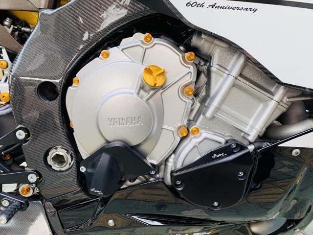 Yamaha R1 phien ban Ca Tre hoa cuong voi dan do cuc chat - 12