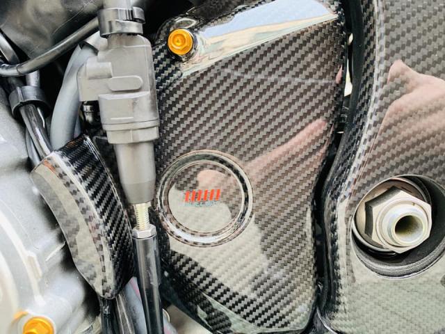 Yamaha R1 phien ban Ca Tre hoa cuong voi dan do cuc chat - 14