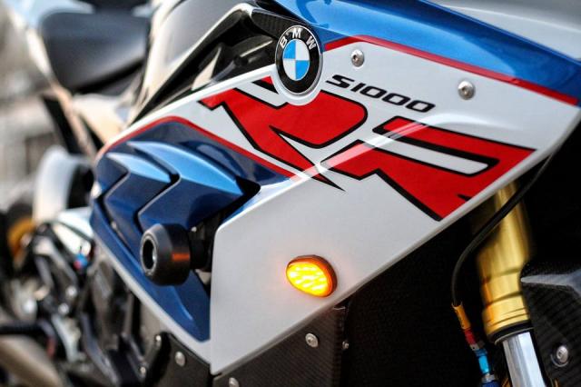 BMW S1000RR do sac xao voi nang cap new 100 - 17