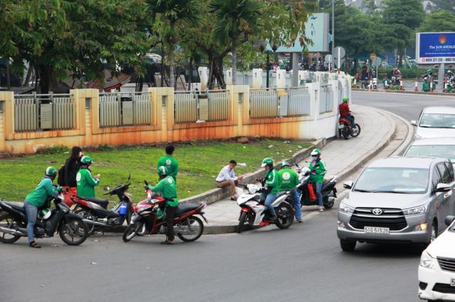 Cau chuyen canh giac ve Grab gia mao long hanh chat chem o san bay - 3