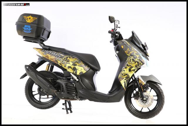 Chiem nguong Nmax Aerox 155 do tai cuoc thi Yamaha Custo Maxi - 10