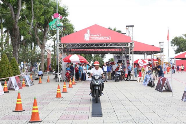Hon 400000 khach hang dong hanh cung su kien Honda Tron niem tin 2018 - 5